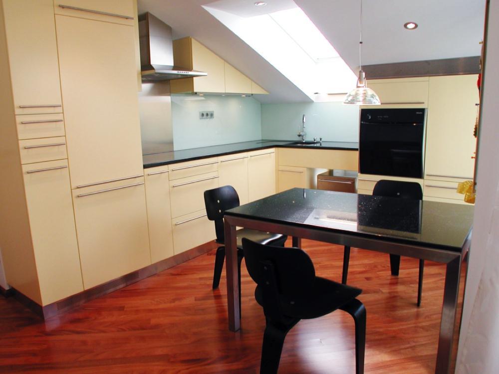 dachgescho ausbau r bischoff kg tischlerei leibnitz. Black Bedroom Furniture Sets. Home Design Ideas